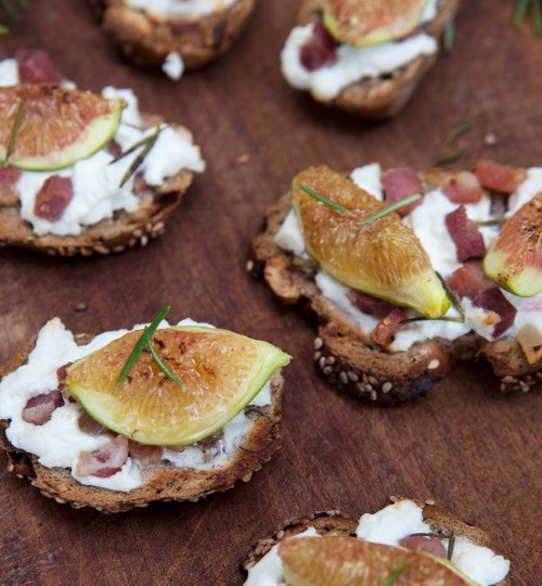 Fig, Goat Cheese and Bacon Crostini