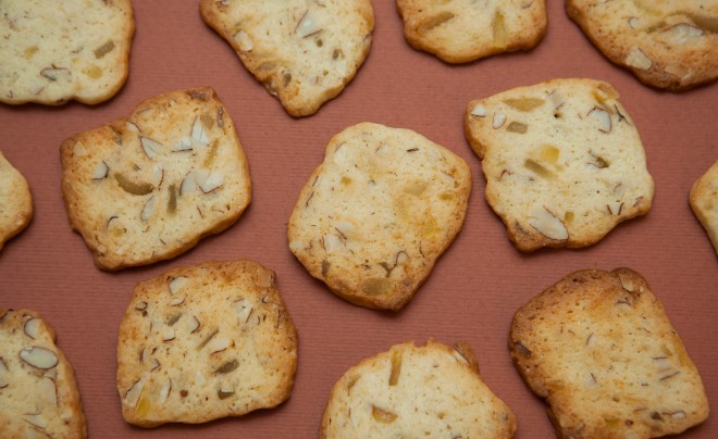 Candied ginger and almond cookies