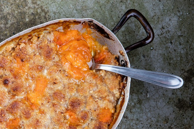 Apricot and almond crumble