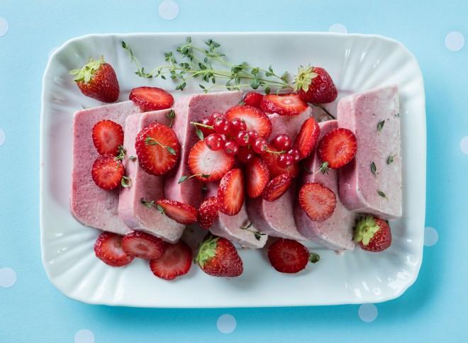 Strawberry and thyme semifreddo